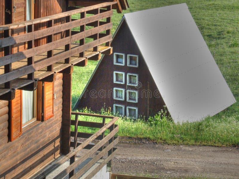 Gebirgshaus lizenzfreies stockbild