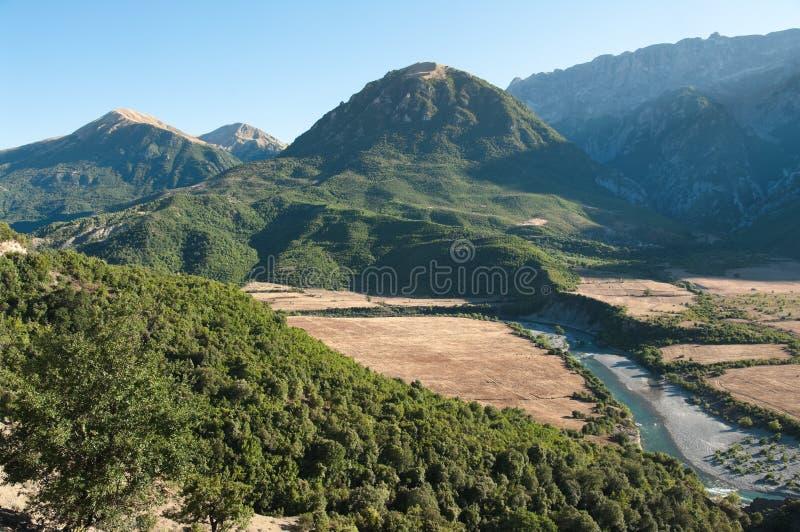 Gebirgslandschaft in Albanien lizenzfreies stockfoto