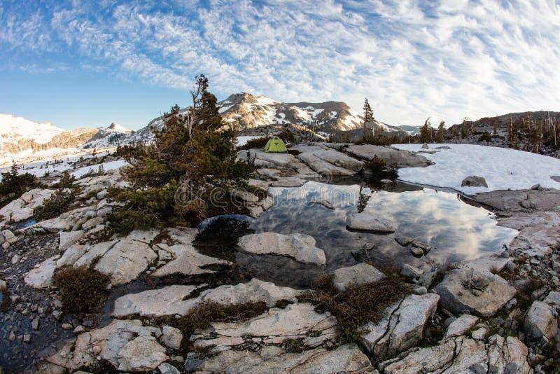 Gebirgslandschaft in der Sierra Nevada Mountains, Kalifornien lizenzfreies stockbild