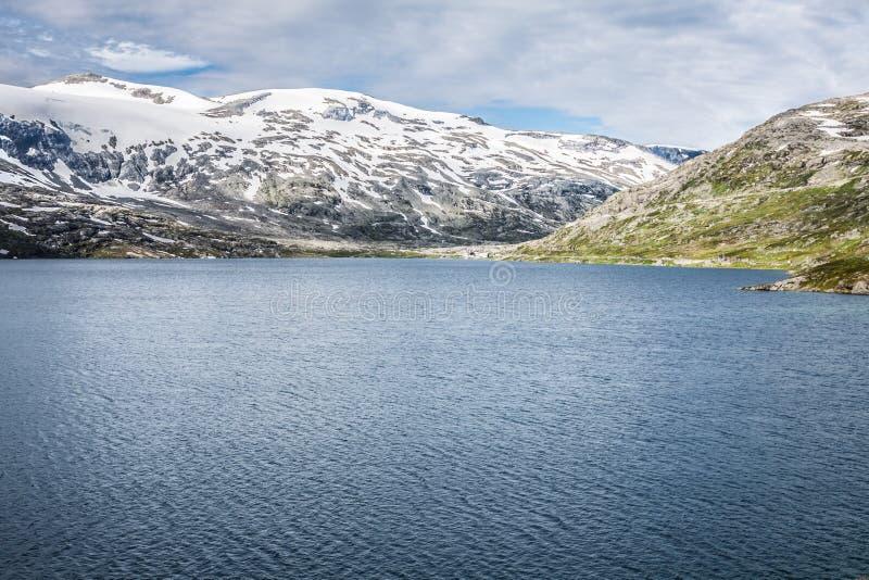 Gebirgslandschaft in Nationalpark Jotunheimen in Norwegen stockfotografie