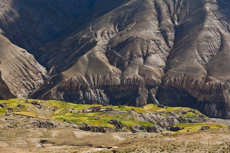 Gebirgslandschaft in oberem Dolpo, Nepal lizenzfreie stockfotos