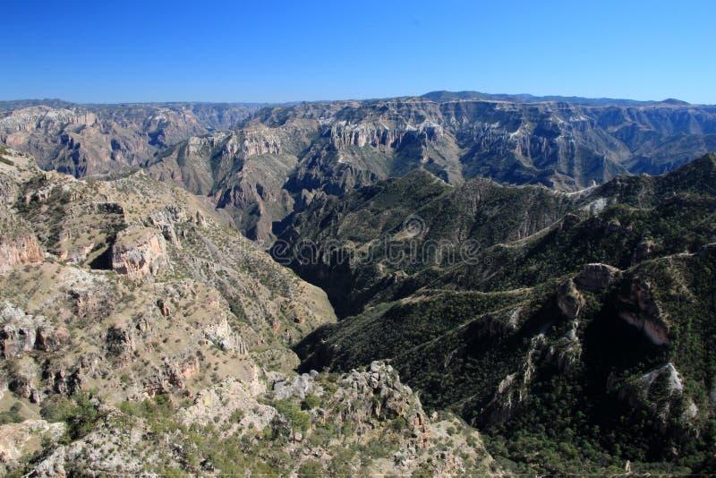 Gebirgslandschaften von kupfernen Schluchten in den Chihuahua, Mexiko stockbild
