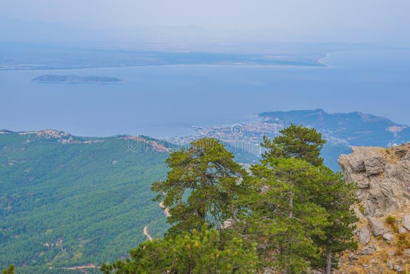 Gebirgsseite der Thassos-Insel, Griechenland stockfoto