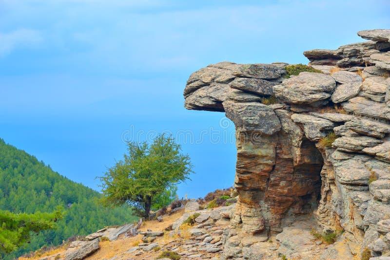 Gebirgsseite der Thassos-Insel, Griechenland lizenzfreie stockfotografie