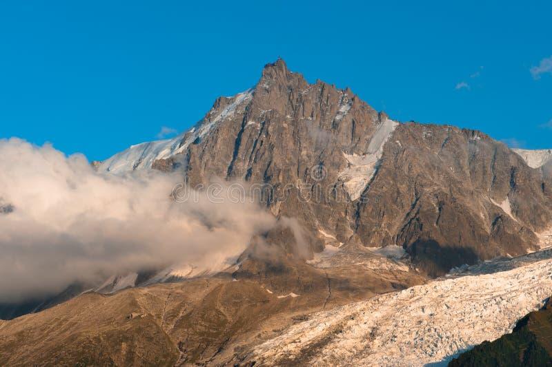 Gebirgsspitze Aiguille DU Midi stockbild