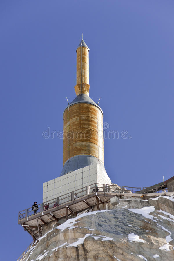 Gebirgsspitze Aiguille DU Midi lizenzfreies stockbild