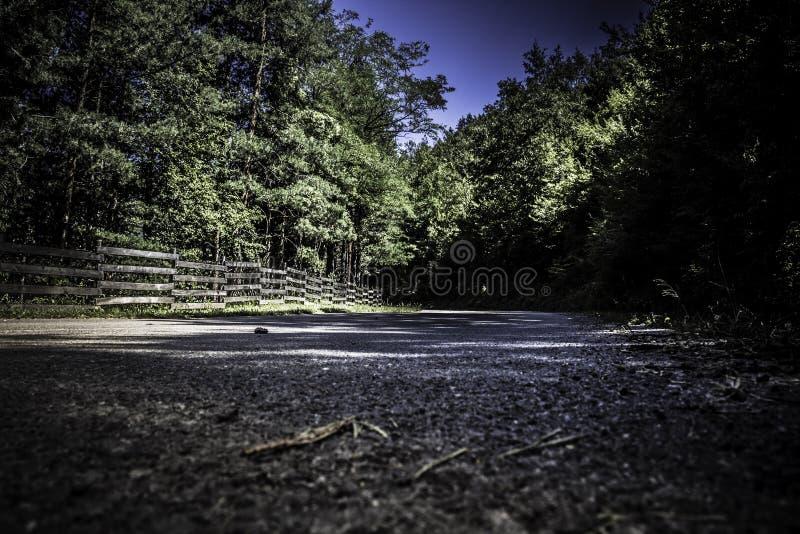 Gebirgsstraße in Bulgarien lizenzfreies stockfoto