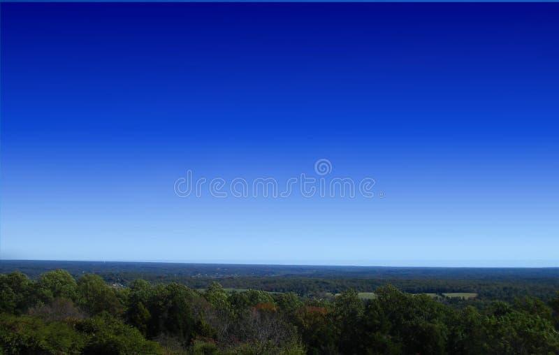 Download Gebirgszug stockfoto. Bild von blau, landschaft, himmel - 31904