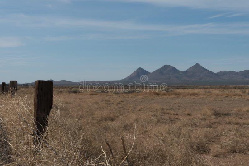 Gebirgszug Tres Hermanas im Südwestennew mexico stockbilder