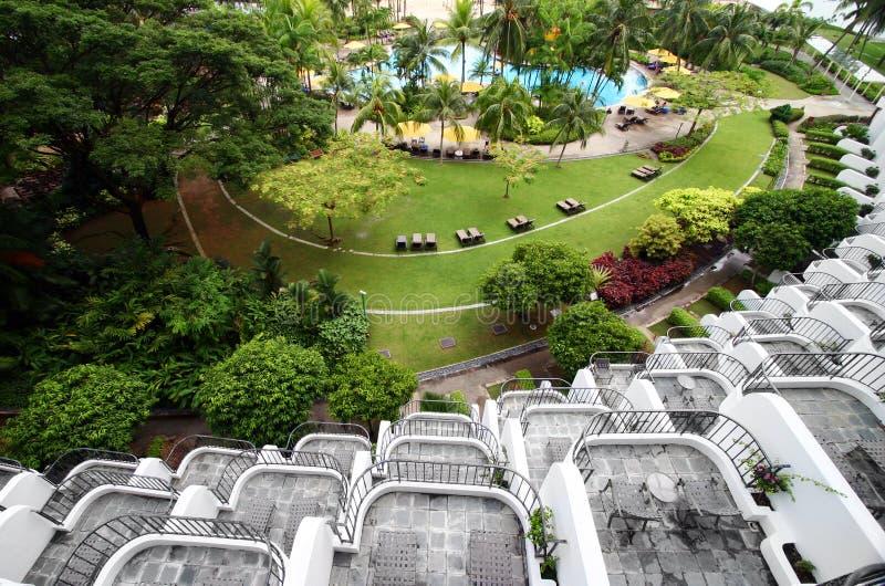 Gebogen balkons & tuin royalty-vrije stock afbeeldingen