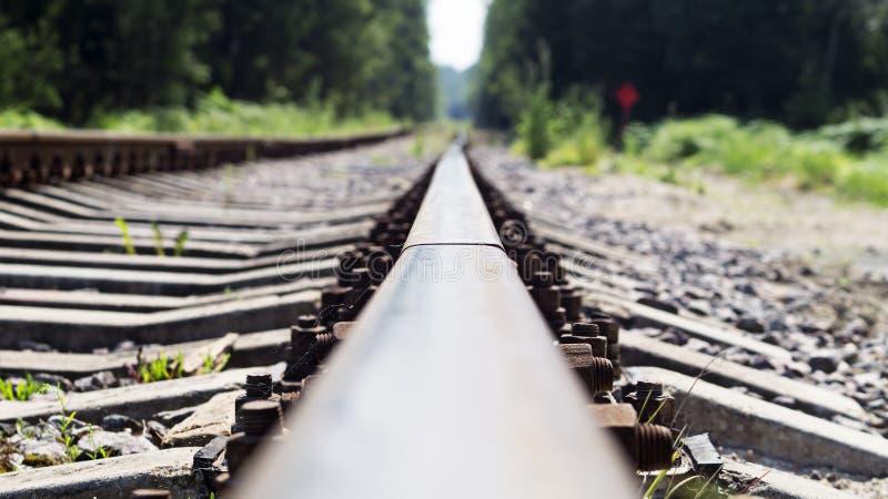 Gebogen spoorwegsporen, oude spoorweg royalty-vrije stock fotografie