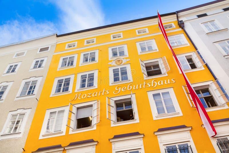 Geboorteplaats van beroemde componist Wolfgang Amadeus Mozart in Salzburg, Oostenrijk stock fotografie