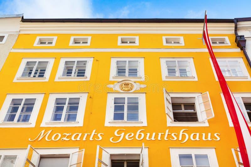 Geboorteplaats van beroemde componist Wolfgang Amadeus Mozart in Salzburg, Oostenrijk royalty-vrije stock afbeelding