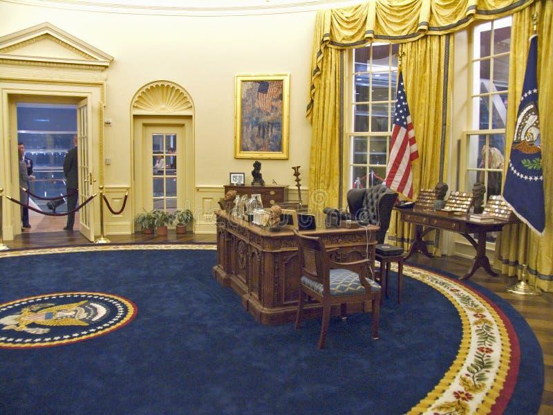 Gebouwd door de architect James Polshek van New York, opent de Presidential Bibliotheek van William J Clinton Presidential Librar stock afbeelding