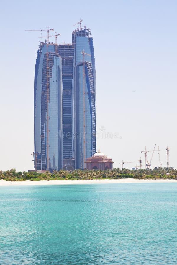 Gebouwen in aanbouw, Abu Dhabi, de V.A.E stock afbeelding