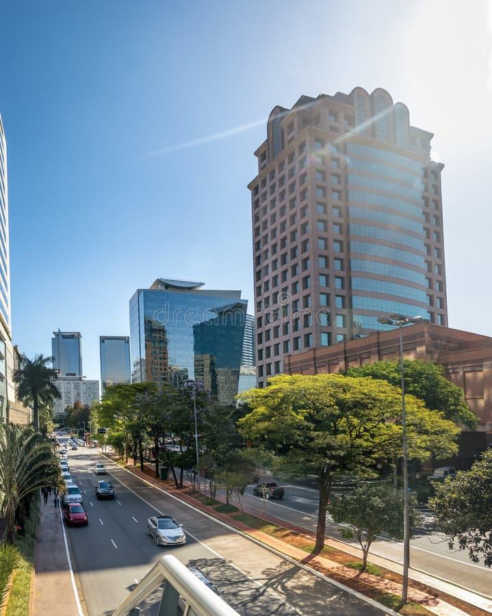 Gebouwen bij Morumbi-buurt in het financiële district van Sao Paulo - Sao Paulo, Brazilië stock fotografie