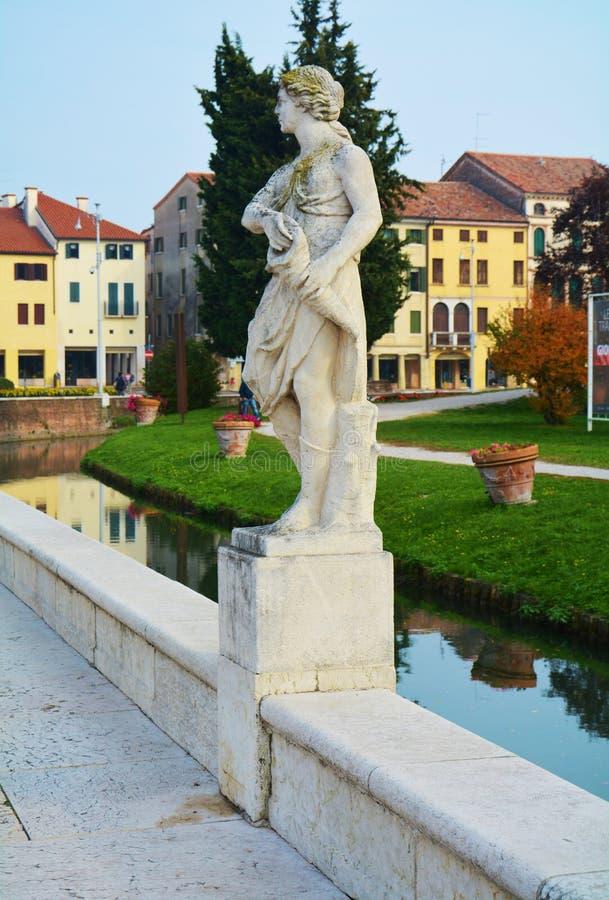 Gebouwen in Castelfranco Veneto, in Italië stock foto's