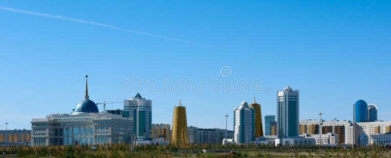 Gebouwen in het centrale deel van Astana stock afbeeldingen