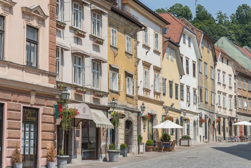 Gebouwen in historisch centrum van Ljubljana, Slovenië stock foto