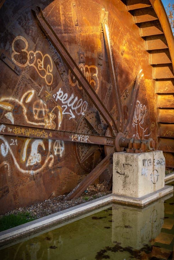 Gebouwen verlaten in ruïne stock afbeeldingen