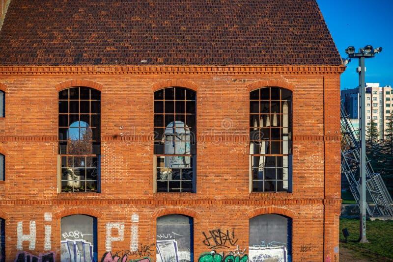 Gebouwen verlaten in ruïne stock fotografie