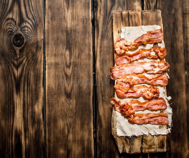 Gebraden bacon op de stof royalty-vrije stock foto