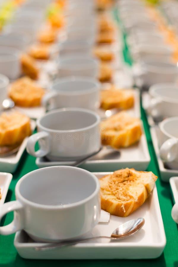 Download Gebraden Brood Met Droog Verscheurd Varkensvlees Thais Dessert Stock Afbeelding - Afbeelding bestaande uit heet, frans: 29513741