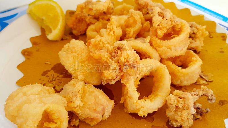 Gebraden calamari of Gebraden van pijlinktvis royalty-vrije stock foto's