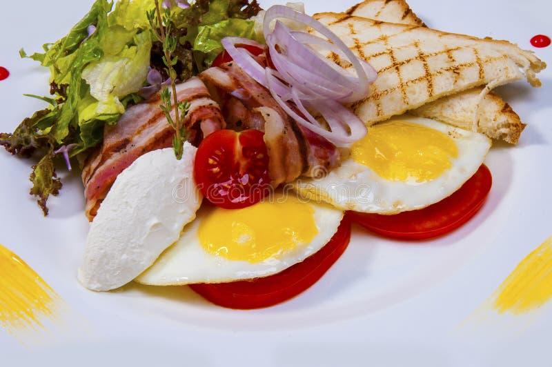 Gebraden eieren met bacon royalty-vrije stock foto