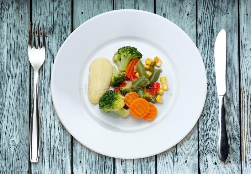 Gebraden groenten op de plaat royalty-vrije stock fotografie