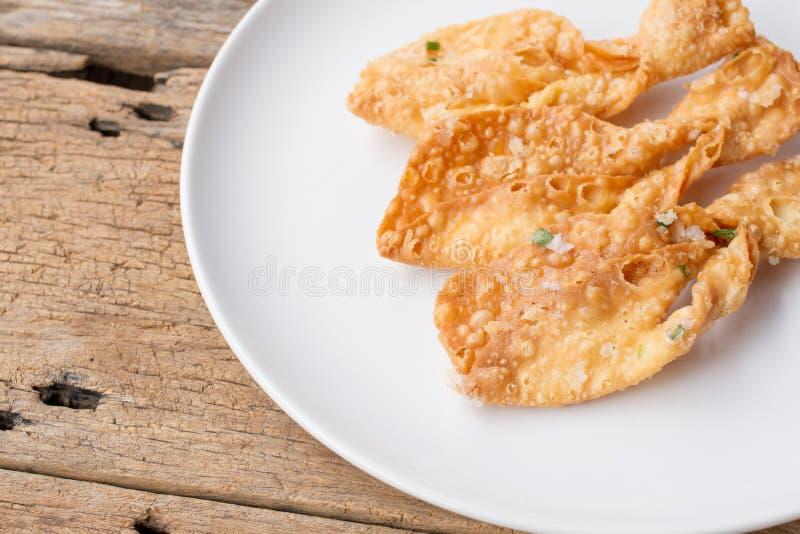 Gebraden knapperige roti maakt vissenvorm stock afbeelding