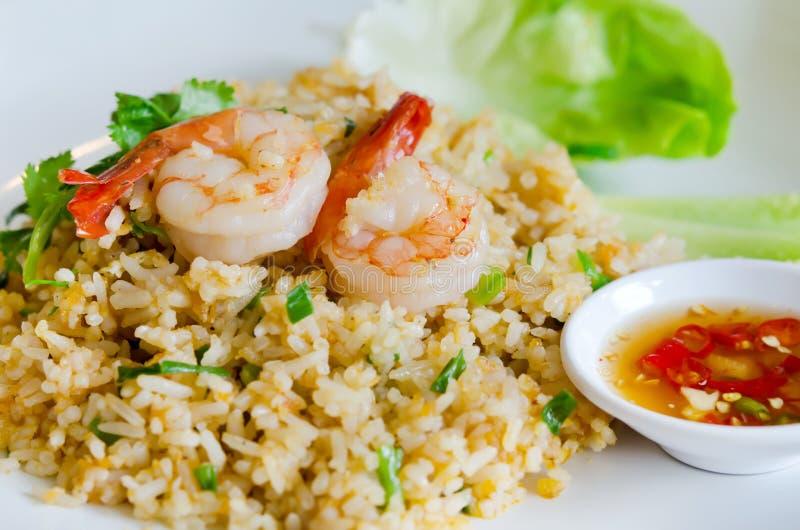 Download Gebraden rijst en garnalen stock afbeelding. Afbeelding bestaande uit kruidig - 29512977