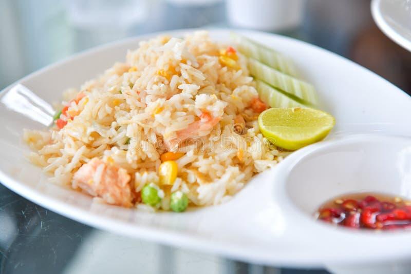 Gebraden rijst met garnalen, Thais voedsel royalty-vrije stock fotografie
