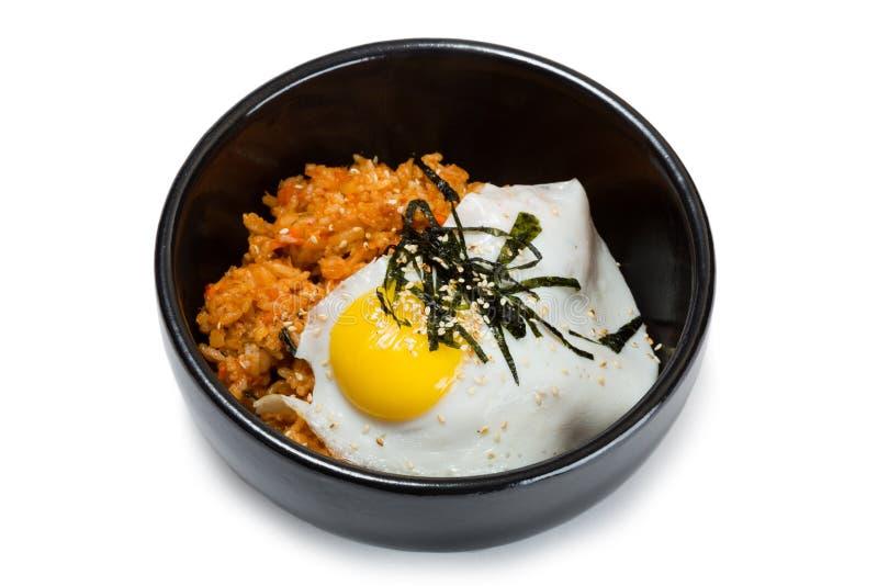 Gebraden rijst met kimchi en varkensvlees stock foto