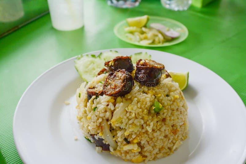 Gebraden rijst met Thaise kruidige worsten Noordelijke stijl royalty-vrije stock afbeelding