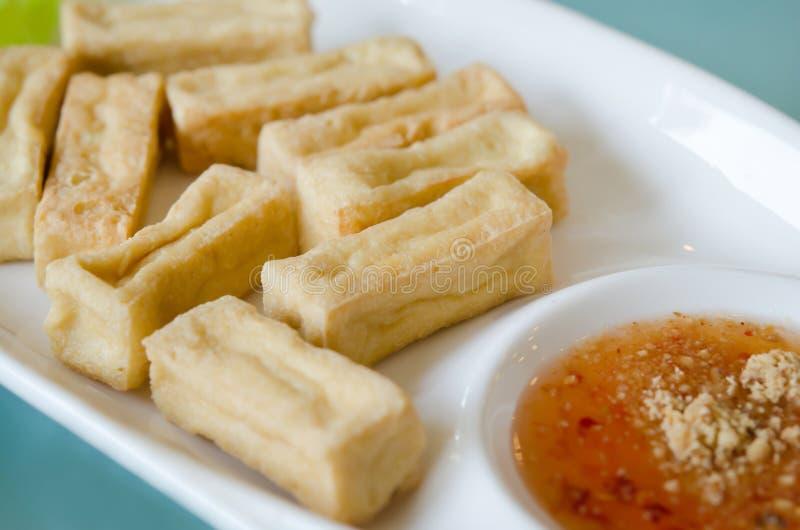 Download Gebraden tofu op schotel stock afbeelding. Afbeelding bestaande uit voorgerecht - 29512911
