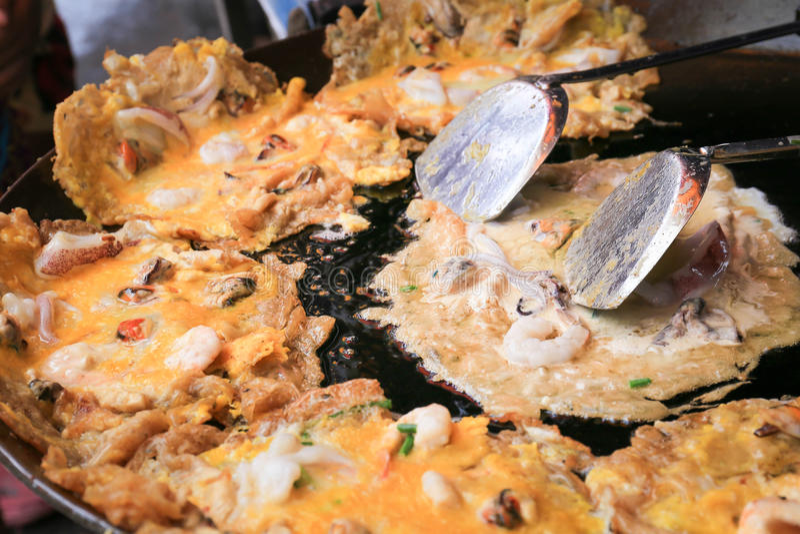 Gebraden zeevruchten, Gebraden tweekleppig schelpdier, Thais voedsel royalty-vrije stock foto