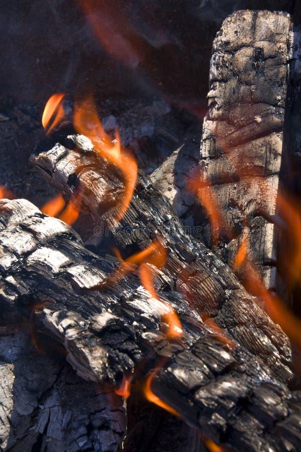 Gebrand hout royalty-vrije stock afbeeldingen