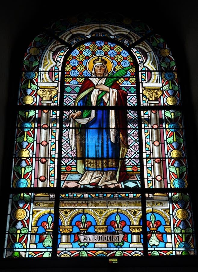 Gebrandschilderd glas in de kerk stock foto's