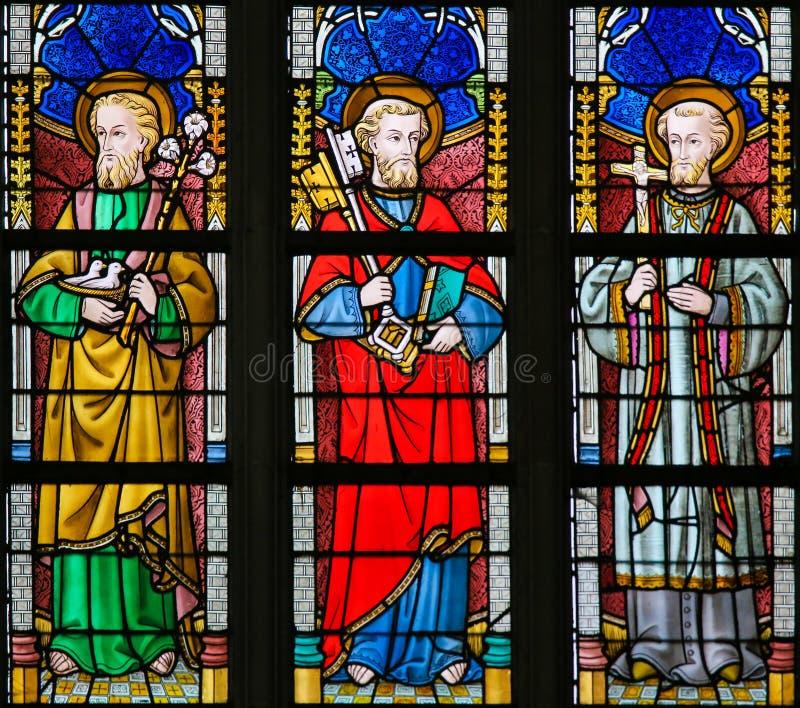 Gebrandschilderd glas - Katholieke Heiligen royalty-vrije stock afbeelding