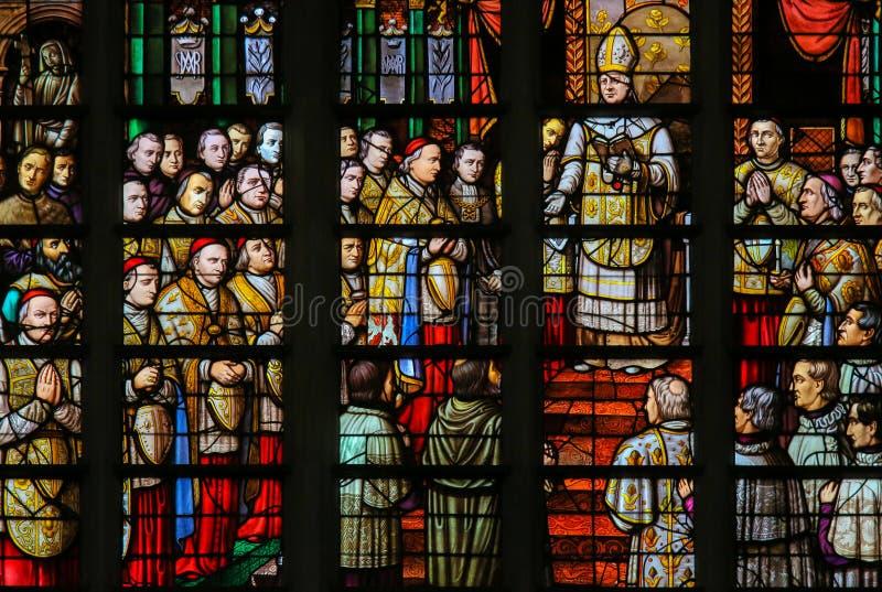 Gebrandschilderd glas in Mechelen-Kathedraal stock afbeeldingen