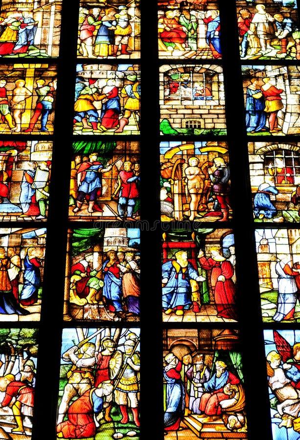 Gebrandschilderd glas in Milaan, Italië stock foto's