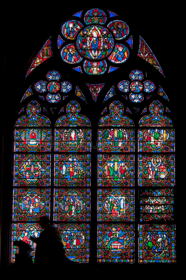Gebrandschilderd glas in Notre Dame royalty-vrije stock afbeeldingen