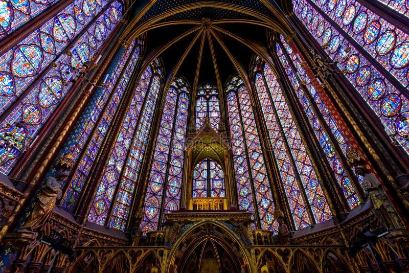 Gebrandschilderd glasbinnenland in sainte-Chapelle in Parijs, Frankrijk royalty-vrije stock afbeeldingen