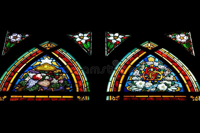 Gebrandschilderd glasvenster in Churche Heilige Jean de Mormartre royalty-vrije stock foto