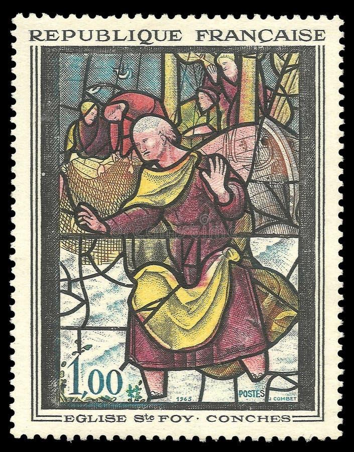 Gebrandschilderd glasvenster in Kerk van Sainte Foy stock foto's