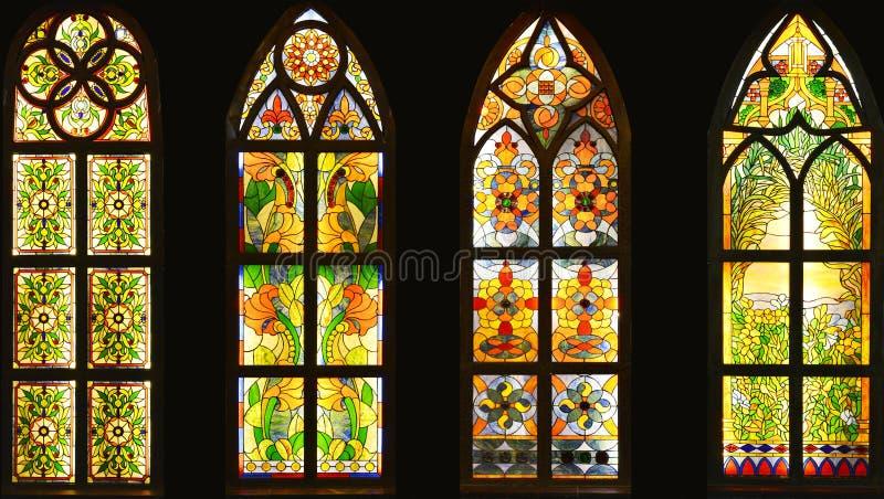 Gebrandschilderd glasvenster, kleurrijk glasvenster, stock afbeeldingen