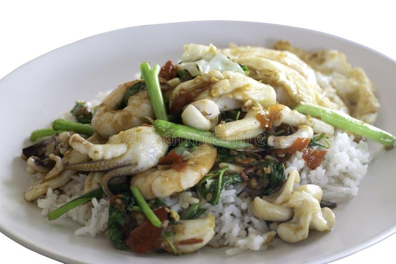 Gebraten rühren Sie würzige Meeresfrüchte mit Reis stockfotografie