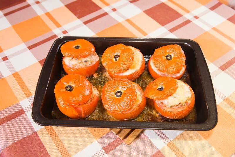 Gebratene angefüllte Tomate stockfotos