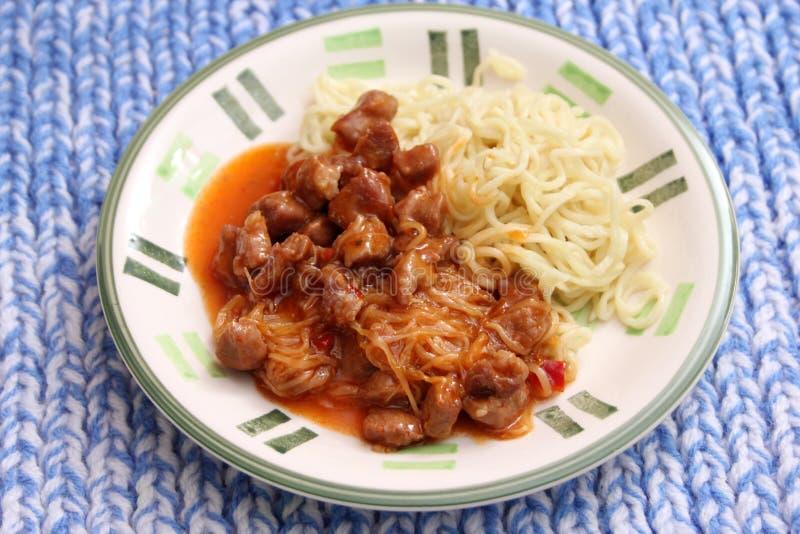 Gebratene Nudeln mit Schweinefleisch lizenzfreies stockfoto